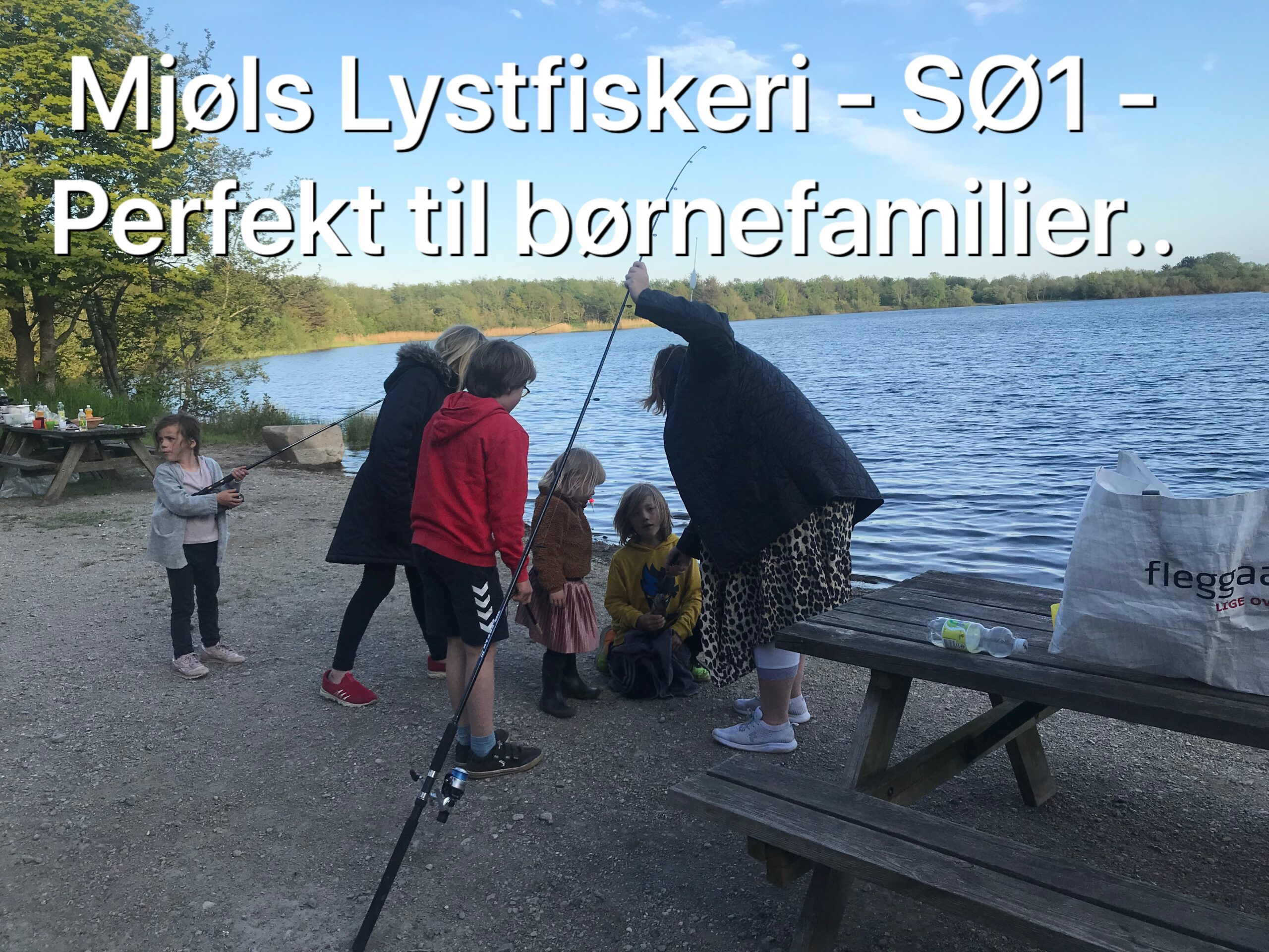Tag en tur med fiskestangen i Mjøls Lystfiskeri